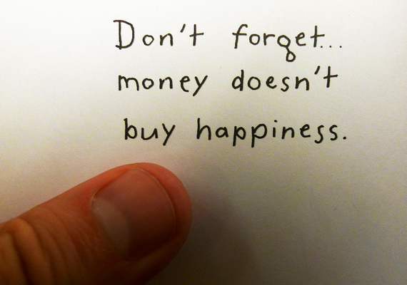 paragraph on money can t buy happiness